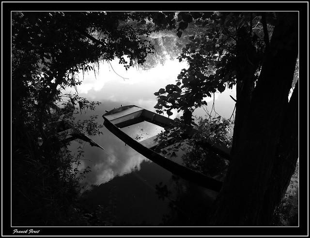barques au bord du Doubs