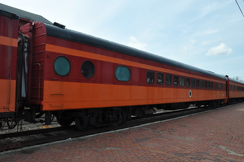 road railroad car train river coach little michigan milwaukee passenger hiawatha olympian coldwter