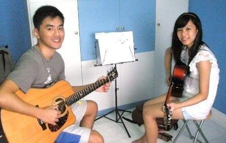 Beginner guitar lessons Singapore Shenn Linn