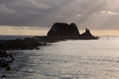 newzealand cloud sun water sunrise northland nzl mangawhai sentinelrock mangawhaiheads mangawhaibeach