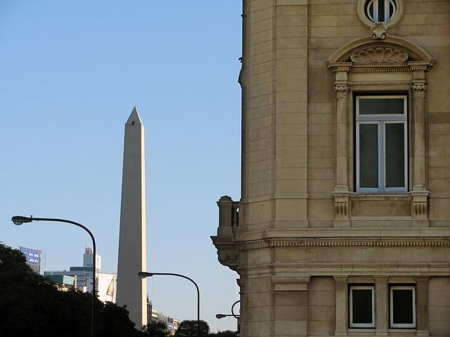 Obelisco y Colón