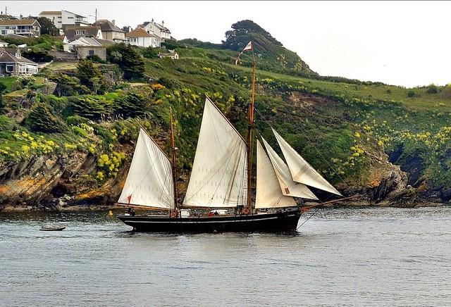Yacht leaving Fowey. Nikon D3100.  DSC_0070a