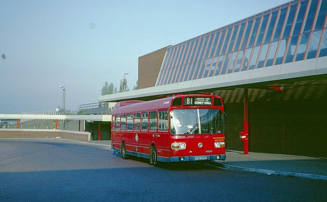 LS276 at Eltham Station on route B1 in 1990