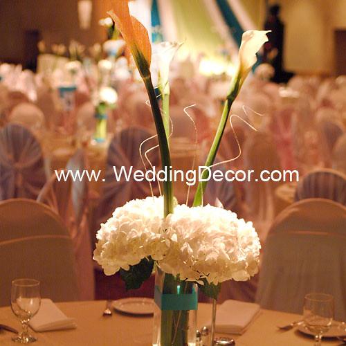 Terrific Wedding Centerpiece Hydrangea Calla Lilies A Wedding C Download Free Architecture Designs Scobabritishbridgeorg