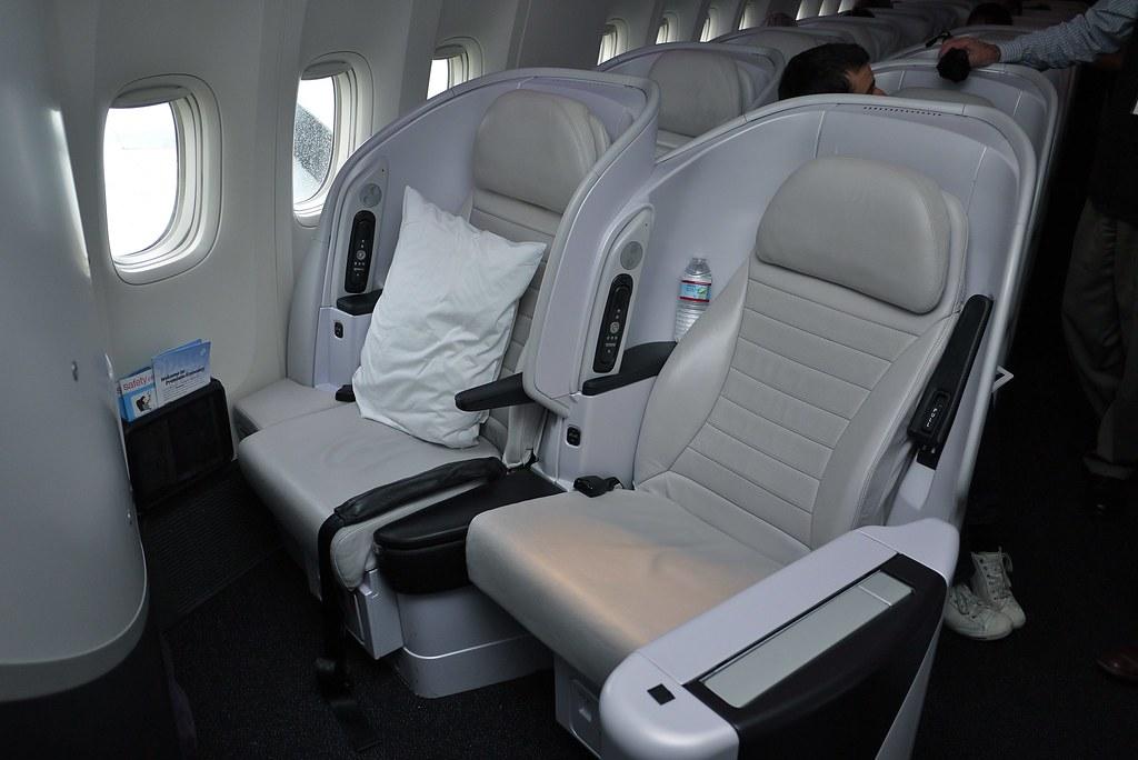 Air New Zealand 77w Premium Economy Cabin Air New