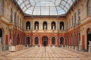 La Cour du Palais des études de l'École des beaux-arts | by dalbera