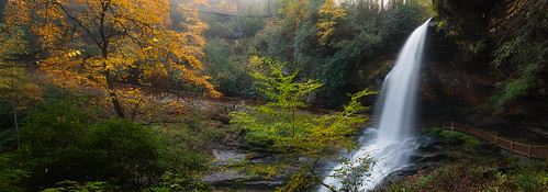 autumn fall color leaves waterfall dryfalls highlands northcarolina nc vacation travel panorama panoramic splendor forest outdoor landscape water stream