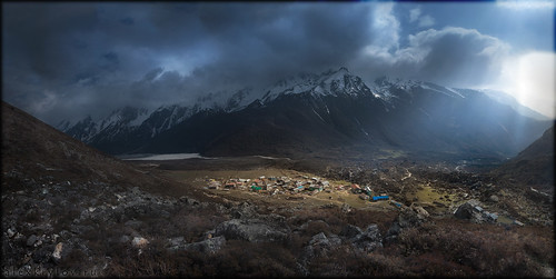 travel nepal sunset sky sun mountain nature clouds landscape scenery canondslr canoneos закат небо langtang природа солнце пейзаж путешествия облака гора 50d непал canoneos50d akryphotoart лангтанг