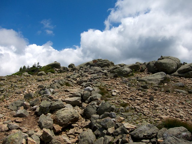 2:26:29 (41%): sign hiking newhampshire whitemountains franconianotch mtlafayette fallingwaterstrail mtlincoln franconiarange