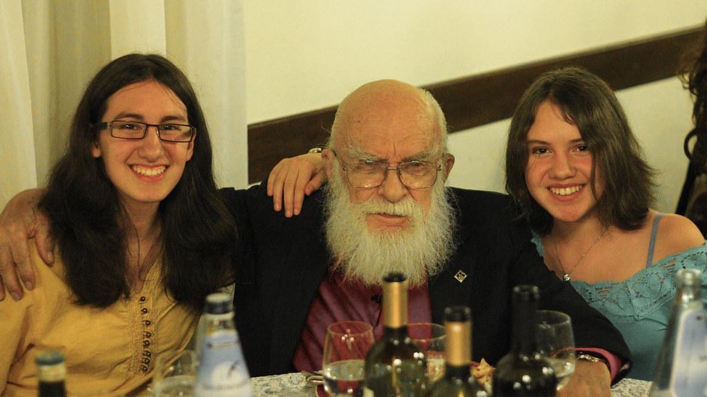 Linda, James Randi, Lisa