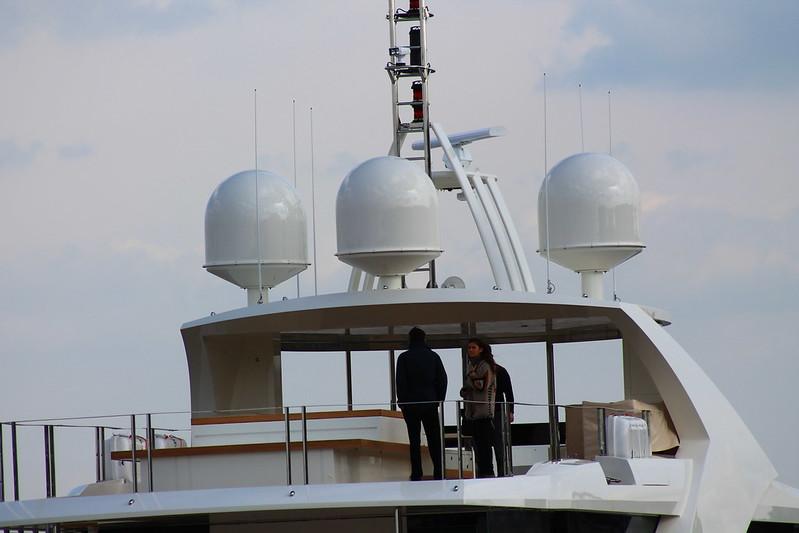 """Le pont supérieur contient un jacuzzi - """"La Pellegrina"""" - Bordeaux - 15 avril 2012"""