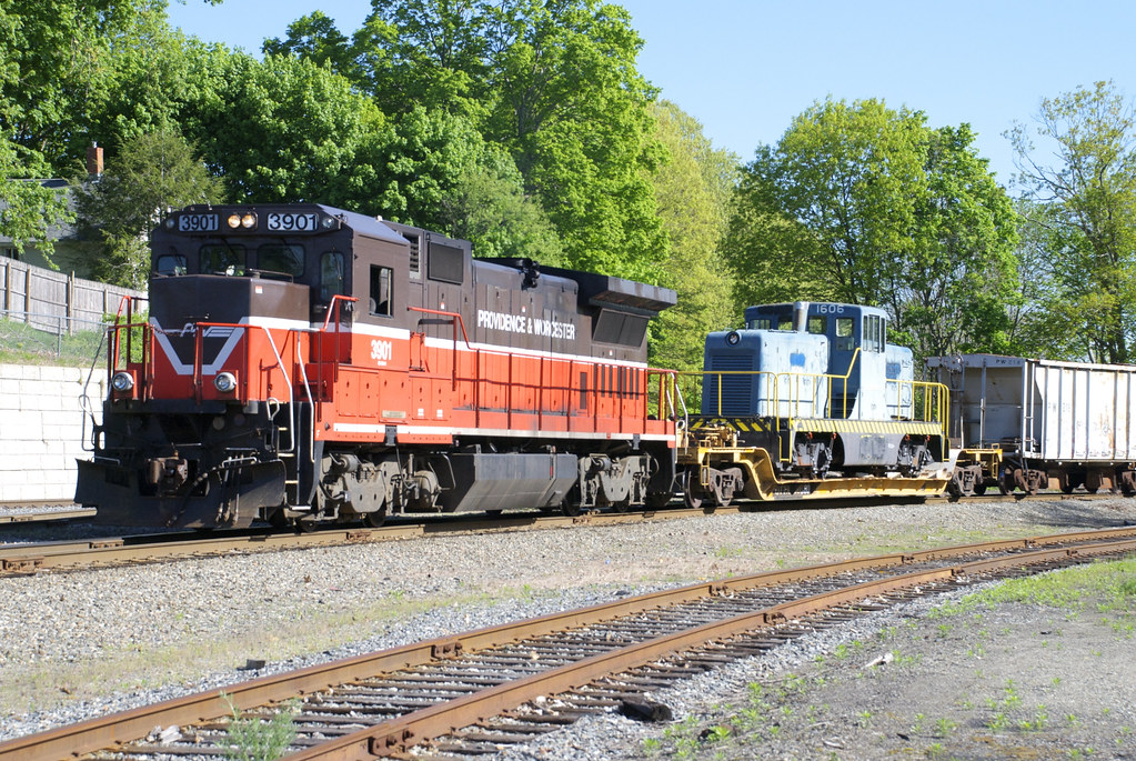 Valley Railroad's 80-Tonner 1606 in Plainfield, CT