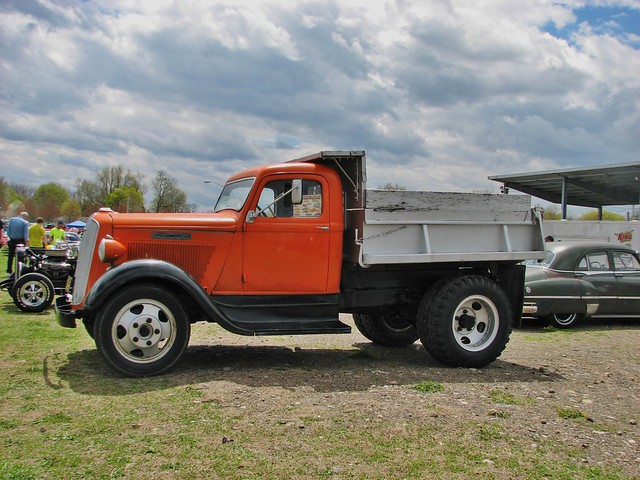 A 1936 DODGE DUMP TRUCK IN MAY 2014