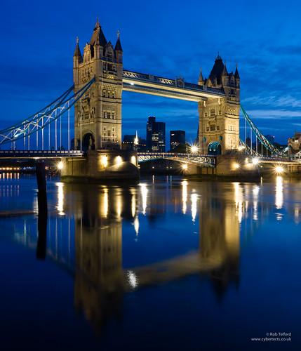 bridge blue reflection building london architecture towerbridge river dawn explore riverthames se1 cityoflondon londonse1 panasonicg2 panasoniclumixgvario1442mmf3556megaois