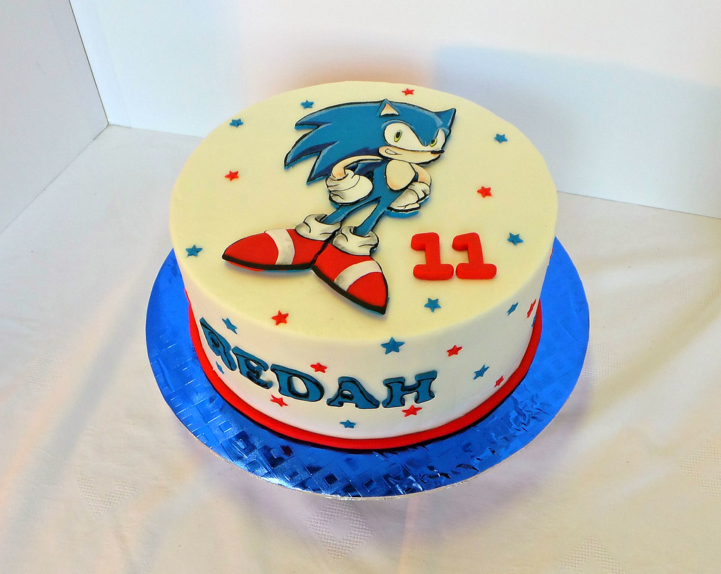 Superb Super Sonic Themed Birthday Cake With Hand Cut Fondant Top Flickr Funny Birthday Cards Online Elaedamsfinfo