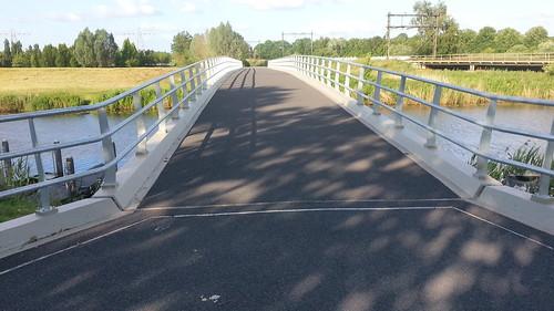Asfaltering fietsbrug Almelose kanaal. | by Kiek dan, Zwolle bouwt!