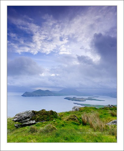 blue ireland sea seascape rock clouds zeiss sunrise landscape island waves angle wide kerry hour nd celtic ultra hitech munster chapeltown gradual gnd sonydsc 163528 sonydslra900 sal1635za 1635mmf28zassm kerrycovalentia 51°552773n10°204906w
