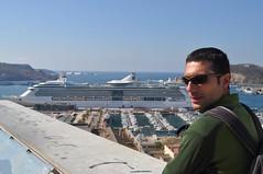 Al port de Cartagena es veu el tamany del barco