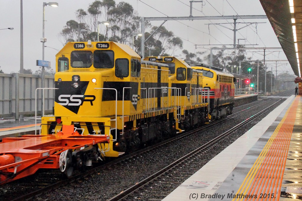 T386 trailing T385-B75 with 9061 down empty SSR wagon transfer at Diggest Rest (12/7/2015) by Bradley Matthews