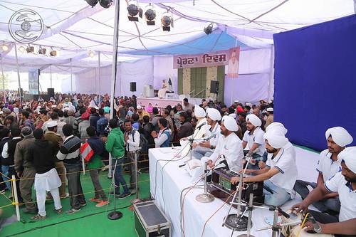 Avtar Bani by devotees from Jalandhar