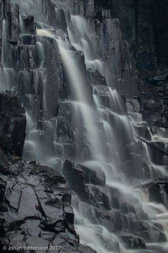 västragötalandslän sverige se vargön hälleberg brudslöjan waterfall water