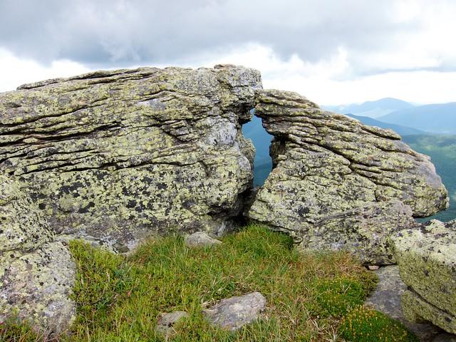 3:52:40 (65%): hiking newhampshire whitemountains franconianotch mtlafayette franconiaridgetrail mtlincoln franconiarange