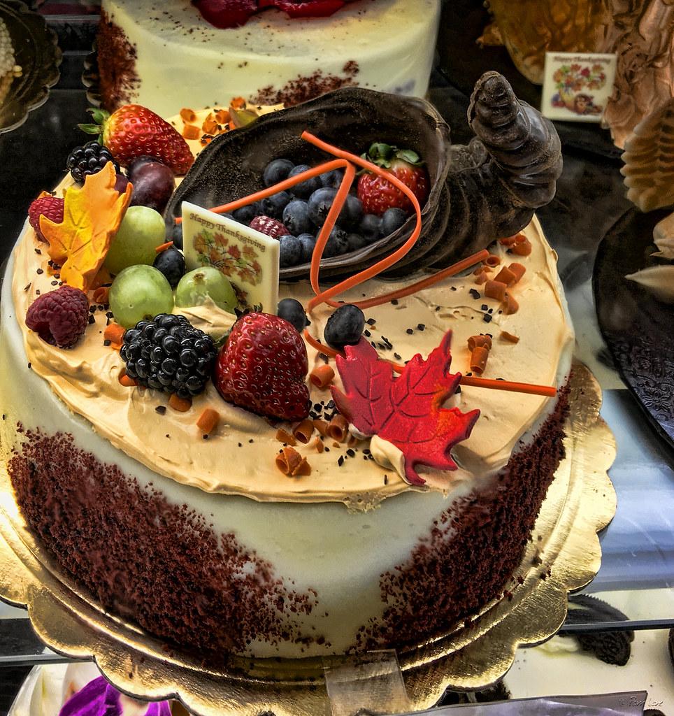 Porto\u0027s Bakery Thanksgiving cakes