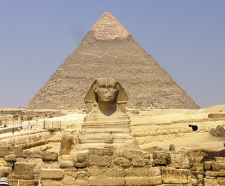 pyramid of giza and the sphynx | by wikinwo