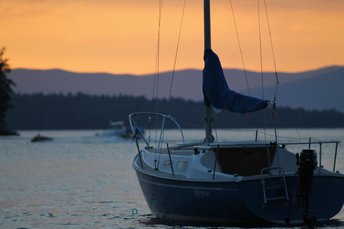 sunset orange lake mountains sailboat canon rebel boat newengland newhampshire boating t3 alton lakewinnipesaukee altonbay rebelt3