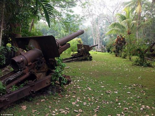 Japanese Type 96 15 cm howitzers