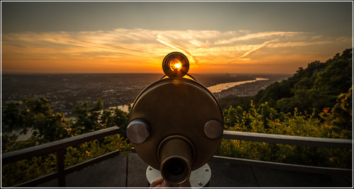 Shooting the sun   by arno.hoyer