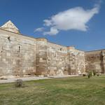 Sultanhanı Kervansarayi - exterior walls, looking to summer court