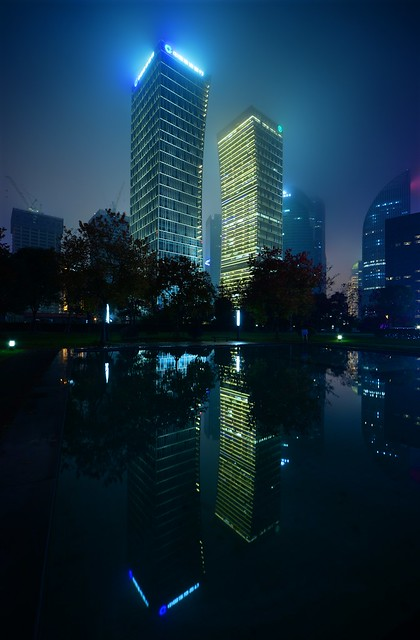 Shanghai - Twin Banks