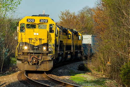 newjersey nj railroad railway train freight freighttrain susquehanna susieq nysw newyorksusquehannawestern southerndivision yellowjacket emd sd402 sd40t2 tunnelmotor bergencounty franklinlakes sunset spring