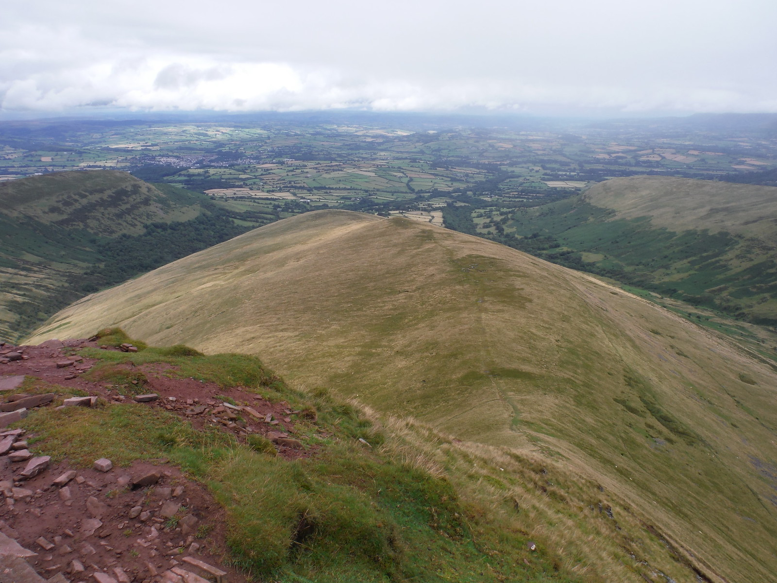 Descent to Brecon Route from Cribyn (down Bryn Teg) SWC Walk 278 Breacon Beacons Horseshoe - Bannau Brycheiniog