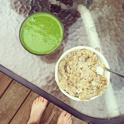 Perfect after a 12 mile run! #oatmeal #greensmoothie #recovery | by minougirl