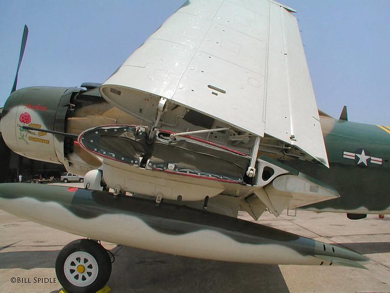 Douglas AD-4NA Skyraider (5)