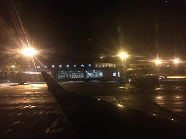日, 2015-03-15 21:36 - Burlington Airport