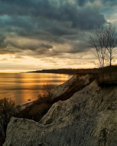 sunset scarborough toronto canada lakeshore shoreline