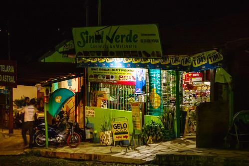 Pirenópolis: shop at night