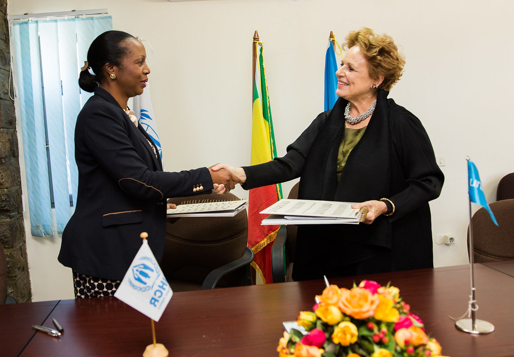 UNHCR and UNICEF agree to reinforce their commitment to re…   Flickr
