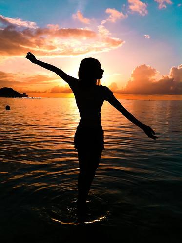 sunset girl iphone4 §h™´ μ·μ· §hπ≥ §h¶w ¶w∫ÿ ¿h©á ≠∑æê ¶a¬i √ˆæq ™a∏à πc©á
