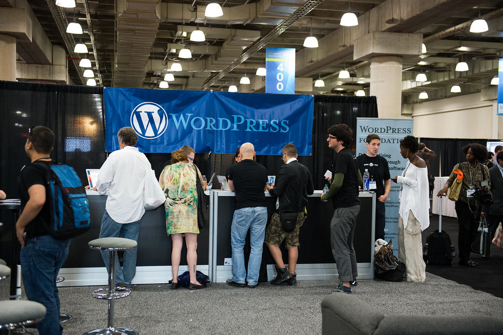 Attendees at BlogWorld Check Out WordPress