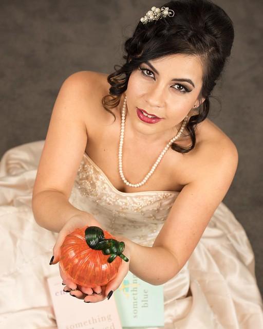 Modern bride. #carloscruzphotography
