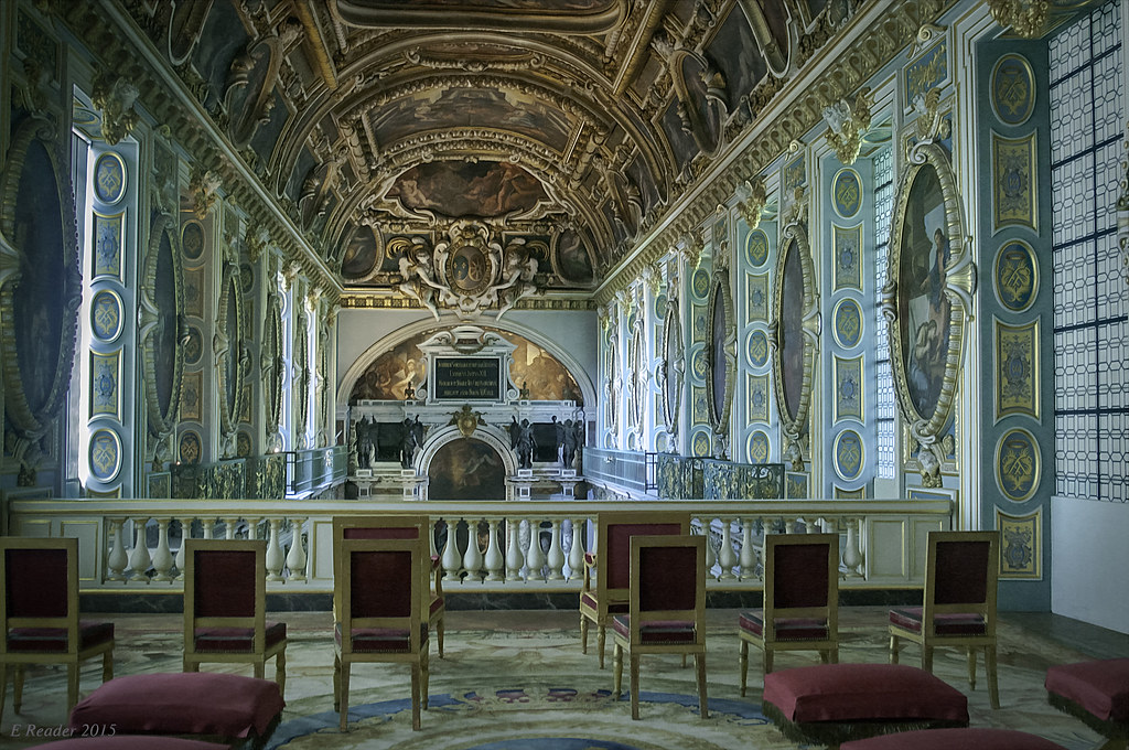 Chateau De Fontainebleau Chapel Of The Trinity The Ornate