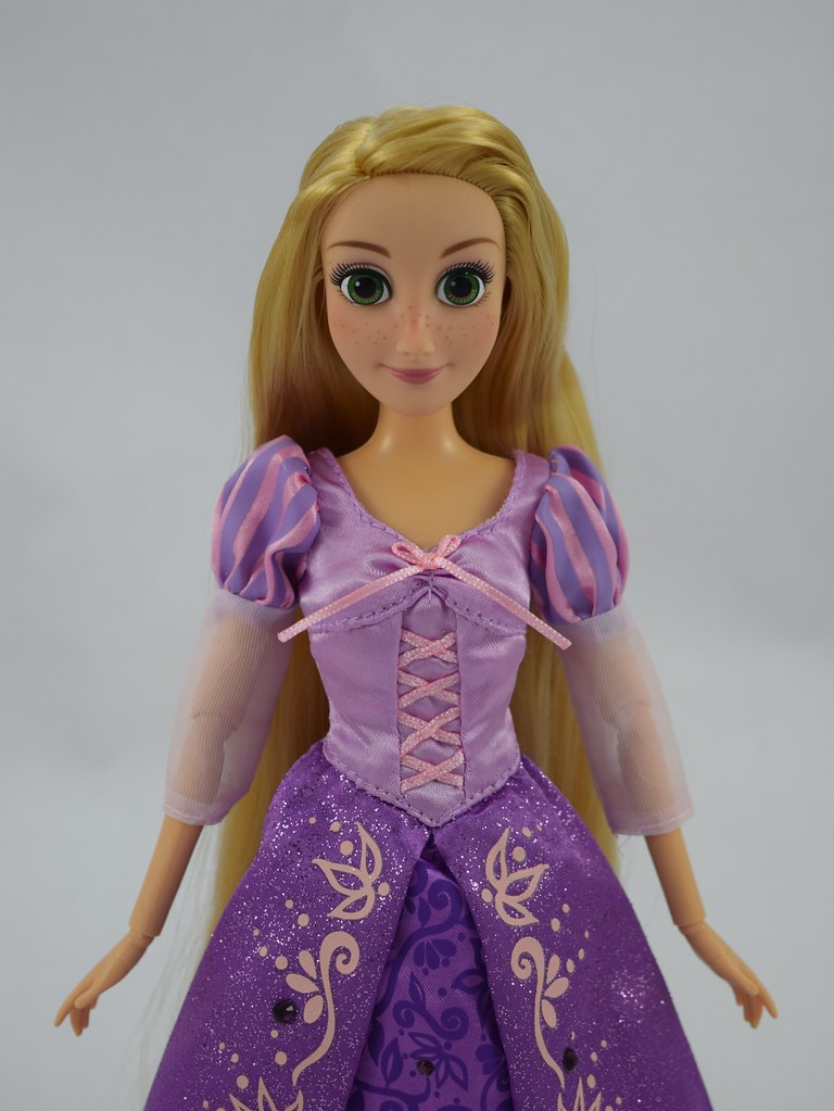 Disney Store Tangled Rapunzel Classic Doll 12/'/' H NEW