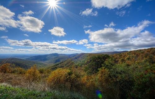 autumn fall foliage leaf leaves peak lensflare clouds landscape mountains appalachia blueridge shenandoahnationalpark nps skylinedrive pinnaclesoverlook oldrag