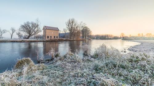alblasserdam wimzilver wimboon nederland holland cold winter sunrise leefilter canonef1635mmf4lisusm canoneos5dmarkiii 169 appelhuisje