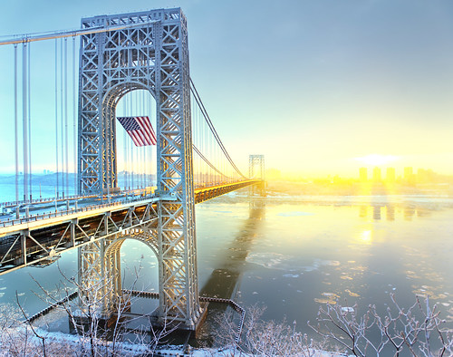 gw gwb bridge winter flag frozen ice nj ny nyc city movement traffic transportation mlk day sunrise 美国 纽约 曼哈顿 城市 建筑 georgewashingtonbridge hudsonriver fortlee newyorkcity gwbridge americanflag interstate95 纽约市 뉴욕시 뉴욕 맨해튼 ニューヨーク マンハッタン นิวยอร์ก ньюйорк न्यूयॉर्क nowyjork novayork 紐約市 紐約 曼哈頓