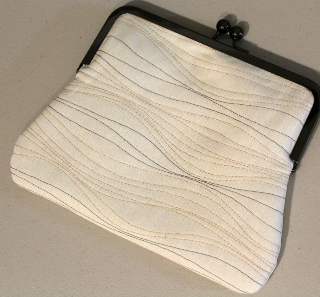 3a9c7f7867 Quilted Frame Purse | Exterior fabric is Essex Linen in
